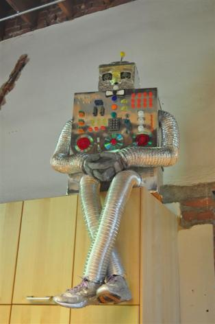 Robot made out of random bits